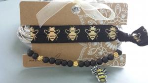 Bienen Armband Haargummi 2-er Set handgefertigt mit Bienen Anhänger Honigbiene Geschenk Frauen Freundin - Handarbeit kaufen
