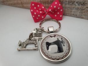 Nähmaschine Schlüsselanhänger Glascabochon handgefertigt Geschenk Frauen Freundin Schneiderinnen Nähen Couture Metallanhängern und Schleife Geschenk - Handarbeit kaufen