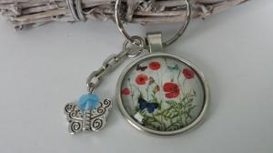 Schöner Schmetterling Mohnblumen Schlüsselanhänger Glascabochonanhänger handgefertigt mit Metallanhänger und Glasherz Geschenk Frauen Freundin  - Handarbeit kaufen