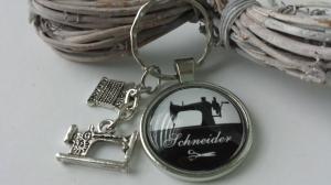 Nähmaschine Schlüsselanhänger Glascabochon Geschenk Schneider Männer Nähen Couture Garnrolle Nähmaschine  - Handarbeit kaufen