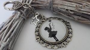 Allerliebstes Sternenmädchen Sternenkind Schlüsselanhänger Glascabochonanhänger handgefertigt Märchenfigur Geschenk Frauen Kinder Erinnerung Sternenkind