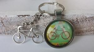 Fahrrad Rennrad Schlüsselanhänger Glascabochon handgefertigt Geschenk Männer Papa Freund Vatertag - Handarbeit kaufen