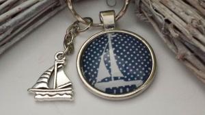 Segelschiff Schlüsselanhänger Glascabochon handgefertigt Anhänger Boot Geschenk Frauen Bootstaufe Bootsführerschein  - Handarbeit kaufen