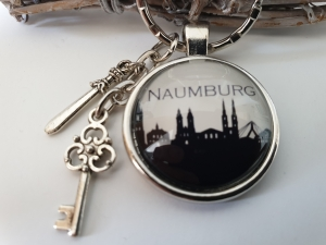 Naumburg Schlüsselanhänger handgefertigt mit Metallanhänger Schwert, Schlüssel Accessoire Andenken Souvenir  - Handarbeit kaufen