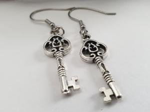 Schlüssel Ohrhänger silberfarben Geschenk für Frauen Mädchen Freundin  - Handarbeit kaufen