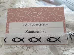 Fisch Haargummi Hair Ties Armband kleines Geschenk mit Karte Mädchen Kommunion Glaube Religion - Handarbeit kaufen