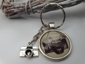 Fotoapparat Kamera Schlüsselanhänger Glascabochon handgefertigt Geschenk Frauen Männer Fotograf Dankeschön - Handarbeit kaufen