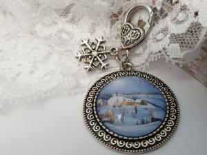 Dorf Winter Landschaft Schlüsselanhänger Glascabochon handgefertigt mit Snowflake Schneeflocken Anhänger Geschenk Frauen Winter   - Handarbeit kaufen