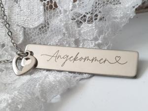 Angekommen Kette mit Wort und Herz Geschenk Frauen Freundin Liebe Jahrestag Geburtstag Geschenkset  - Handarbeit kaufen