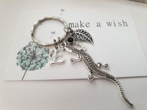 Eidechse Schlüsselanhänger personalisierbar handgefertigt Tieranhänger Blatt Geschenk Frauen Männer - Handarbeit kaufen