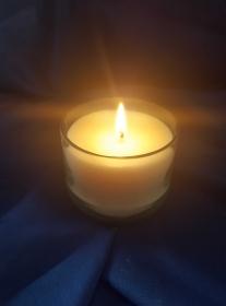 Rapswachs-Kerze im Glas-grün vegan, ohne tierische Fette, Palmöl und Erdöl