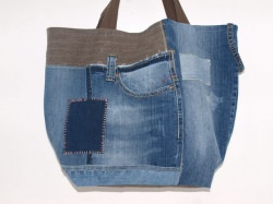 ​Jeans Tasche Asia Love Upcycling Shopper aus used Jeanstoffen