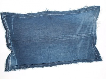 Kissenbezug Jeans Raw upcycling Dekokissen handgemacht aus used Jeans