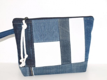 Jeans Kulturbeutel Jeans & White Upcycling Kosmetiktasche aus used Jeansstoffen