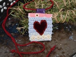Stoffkette Herz, Handgemachte Kette aus Baumwolle , Textilkette mit Herz