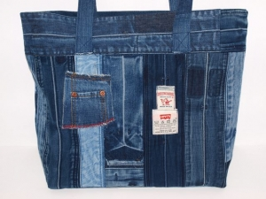 Jeanstasche Favorite Bag , Schultertasche aus used Jeans handgemacht, upcycling
