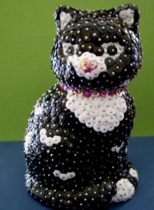 Wunderhübsch gestaltete Paillettenfigur in Katzenform - Handarbeit kaufen