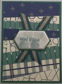 Selbstgemachte Glückwunschkarte mit Mustern in blau, grün und blau. - Handarbeit kaufen