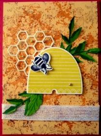 Sehr hübsche, handgemachte Karte mit Biene - für diverse Anlässe geeignet, da sie ohne Text ist. - Handarbeit kaufen