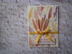 Selbstgestaltete Karte in fröhlichen Farben  mit Federn - Handarbeit kaufen