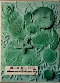 Selbstgestaltete maritime Karte mit vielen Muscheln und Seegras. - Handarbeit kaufen