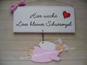 Süßes Schild mit Schutzengel und dem Namen Ihres Kindes aus Holz - Handarbeit kaufen