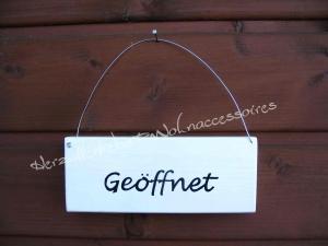 Geöffnet/Geschlossen  ♡ Türschild aus Holz ♡ weiß mit schwarzer Schrift ♡ - Handarbeit kaufen