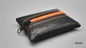 Frisch vom Feld: Treckerschlauch mal anders - Schlüsseletui mit orangem Reißverschluss - Upcycling  - Handarbeit kaufen