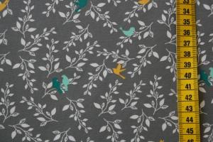 Jersey Birdlife, grau mit zarten weißen Ranken und kleinen Vögelchen in petrol, mint und gelb bedruckt, sehr niedlich, 0,50m