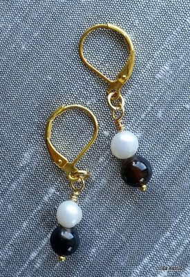 Agathes Earrings, white pearls earrings