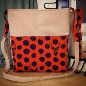 DORI No.3 - Tasche mit vertellbarem Schulterriemen und Außentasche