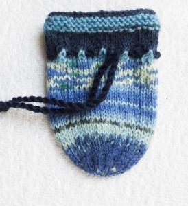 kleiner Strickbeutel, handgestrickt - Handarbeit kaufen