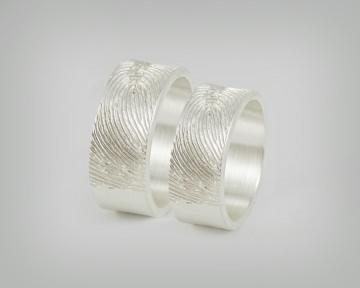 Partnerringe / Trauringe -Fingerabdruck mattiert- Besondere handgefertigte Eheringe aus massivem 925er Silber