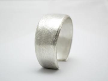 Silber / Armreif -Pure- Ovaler Armreif aus 925er Silber