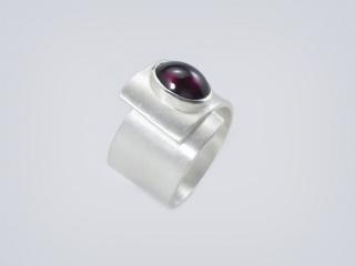 Silber  -Ring Garnet- handgefertigte Ring aus gebürstetem 925er Silber - Handarbeit kaufen