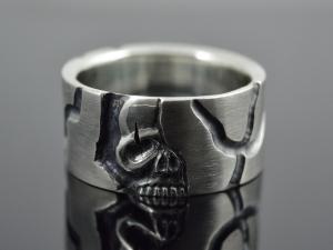 Totenkopfring, Skull Ring für Männer, Männer Skull Ring, RingSilber - Skullring ★Half★ - Handarbeit kaufen