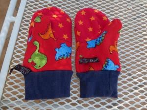 Handgenähte , bunte Fäustlinge für Kinder,bunte Dinos auf rot,orange Sterne auf rot - Handarbeit kaufen