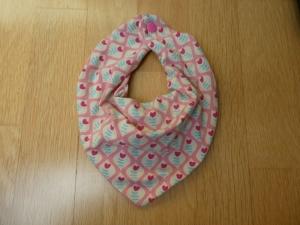 Handgenähte Babyhalstücher mit Wasserfalloptik,kleine, stilisierte Tulpen auf rosa - Handarbeit kaufen