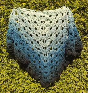 Tuch aus Wolly Hugs Bobbel-Garn merino 104 - Handarbeit kaufen