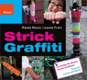 Strick Graffiti: Kuscheliges für Mauern, Ampeln und Bäume - Handarbeit kaufen
