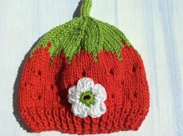 Babymütze Erdbeermütze mit Lochmuster KU36