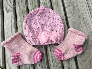 Baby Set * Babymütze mit passenden Stricksöckchen * KU32/34