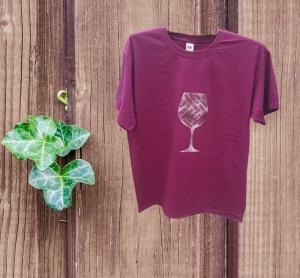 Baumwoll Damen T-Shirt in burgund mit Weinglas aus Design Flex Folie veredelt