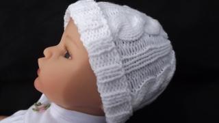 Baby-Strickmütze mit Zopfmuster-in-weiss-Baumwolle 36-40 cm Art.1400
