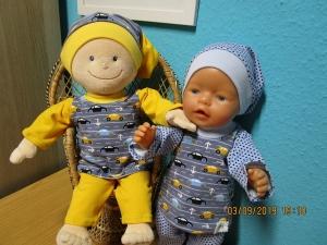 3tlg. Puppenkleidung Hose, T-Shirt und Mütze für Puppengröße 40-45cm mit bunten Autos - Handarbeit kaufen