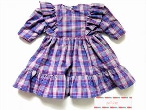 Puppenkleid kariert mit Rüsche an den Armansätzen für eine Größe von 30 bis 35 cm  - Handarbeit kaufen