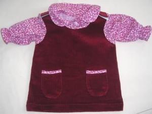 Puppenkleiderrock aus Cordstoff in weinrot mit pink rosa geblümten Bluse Größe 50 bis 55   - Handarbeit kaufen