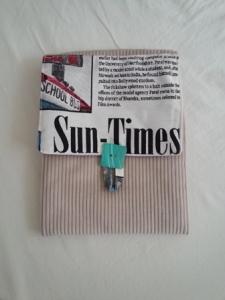 kleine Tasche mit der Aufschrift SUN TIMES als ebook Tasche, für Kalender oder Papiere