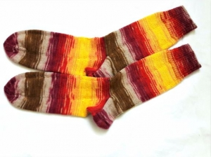 Wollsocken in Größe 40/41 handgestrickt gelb bunt geringelt   für Frauen und Männer  - Handarbeit kaufen