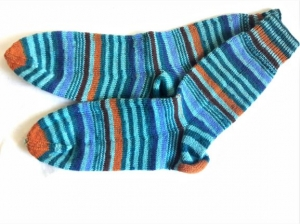 Wollsocken in Größe 44/45 handgestrickt grün bunt geringelt   für Frauen und Männer - Handarbeit kaufen